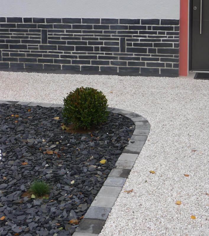 Aménagement d'allée en graviers, création de jardin pour les particuliers - Morisseau Paysagistes Nantes