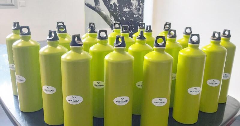 Fini les bouteilles plastiques - Votre paysagiste professionnel nantais Morisseau Paysagistes (44)