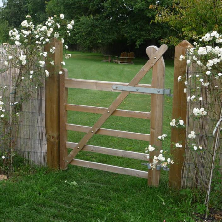 Portillon sur mesure en bois, clôture et portail - Morisseau Paysagistes Nantes